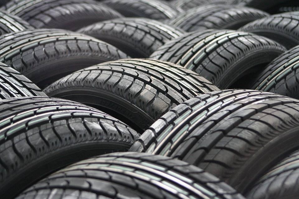 car tyres 63928 960 720 - DÆKSKIFTE KØBENHAVN