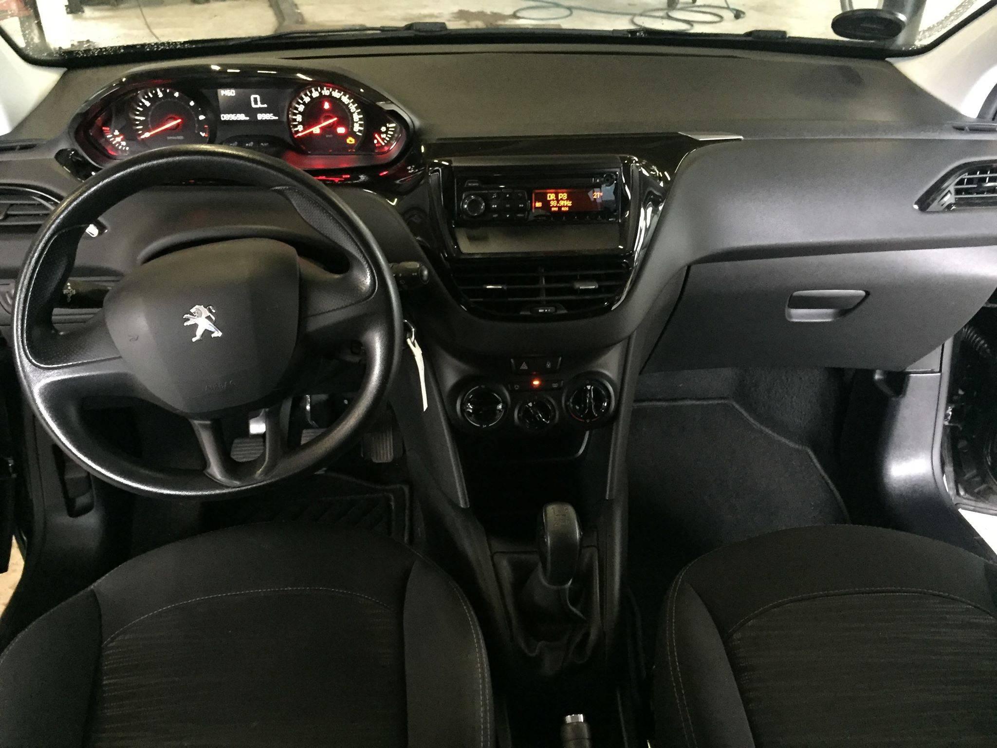pu9 - Peugeot 208 1,0 VTi Champion Air 5d